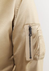 Urban Classics - Bomberjacks - gold - 5