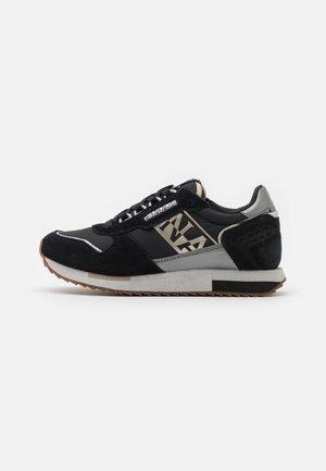 VICKY - Sneakers laag - black
