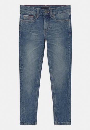 SPENCER SLIM TAPERED - Slim fit jeans - vintage denim