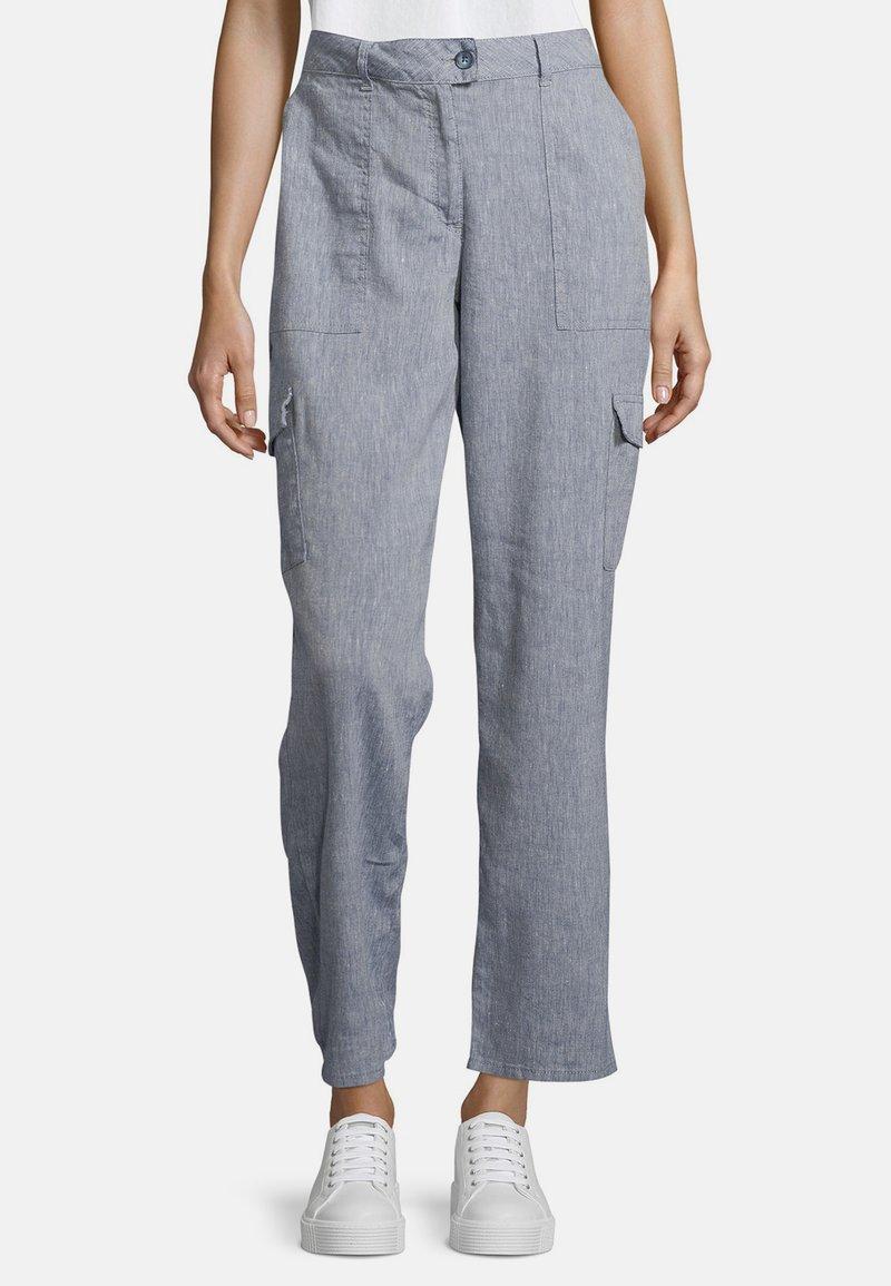 Betty & Co - MIT AUFGESETZTEN TASCHEN - Trousers - blau