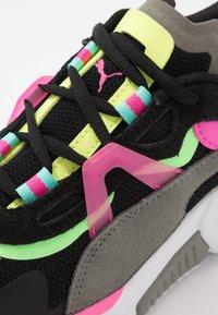 Puma - LQDCELL OPTIC PAX - Sports shoes - black/ultra gray - 5