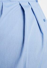 Zalando Essentials Maternity - Button-down blouse - light blue - 5