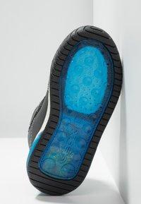 Geox - INEK BOY - Sneaker high - black/royal - 4