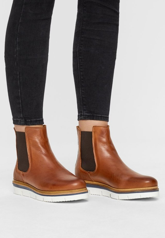 WARM CLEATED CHELSEA - Ankelboots - cognac
