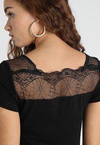 Morgan - DCLARY - Print T-shirt - noir - 2