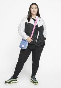 Nike Sportswear - PLUS - Summer jacket - white/black - 1