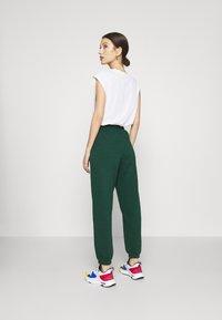 New Look - CUFFED JOGGER - Pantalon de survêtement - dark green - 2