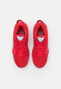 Nike Performance - FREAK 2 UNISEX - Basketball shoes - university red - 3