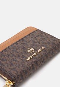 MICHAEL Michael Kors - JET SET CHARM COIN CARD CASE - Wallet - brown/acorn - 5