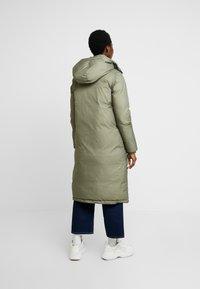 Calvin Klein - CRINKLED PUFFER COAT - Vinterkåpe / -frakk - green - 2