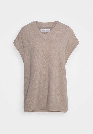 AMARISTA - Jumper - warm grey
