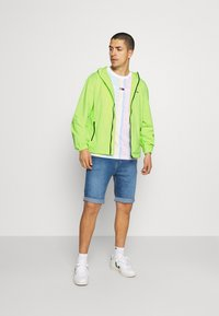 Tommy Jeans - PACKABLE  - Outdoor jacket - green - 1