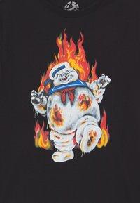 Element - GHOSTBUSTERS X ELEMENT INFERNO BOY - Print T-shirt - flint black - 2