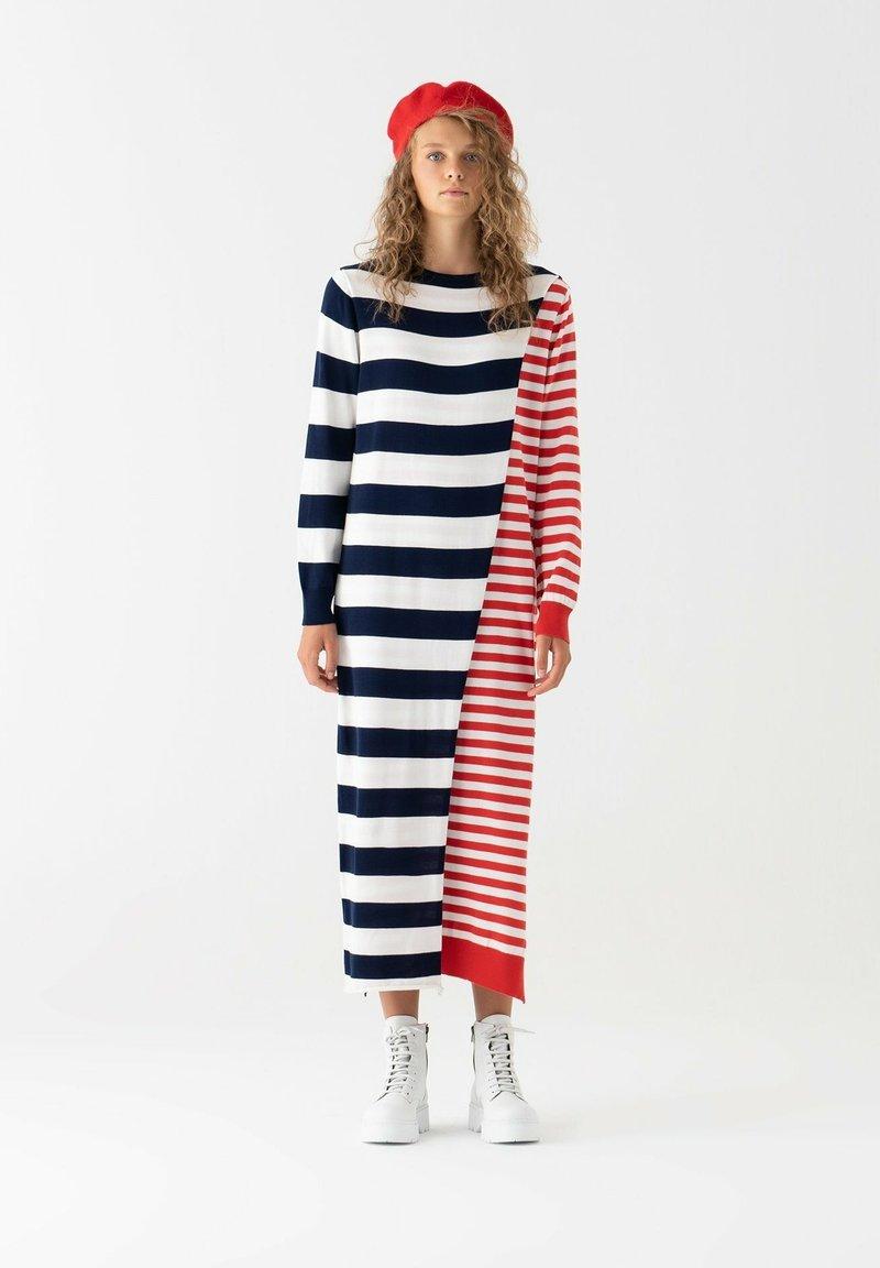 Touché Privé - Gebreide jurk - navy blue