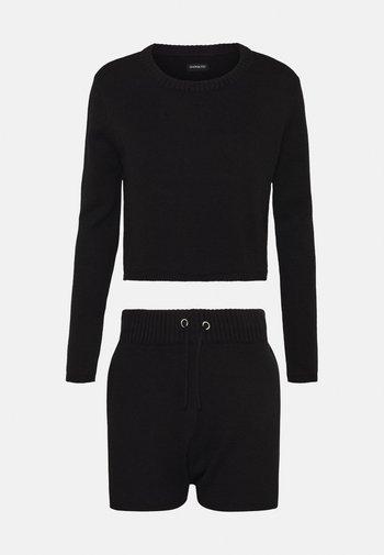 SET - Pullover - black