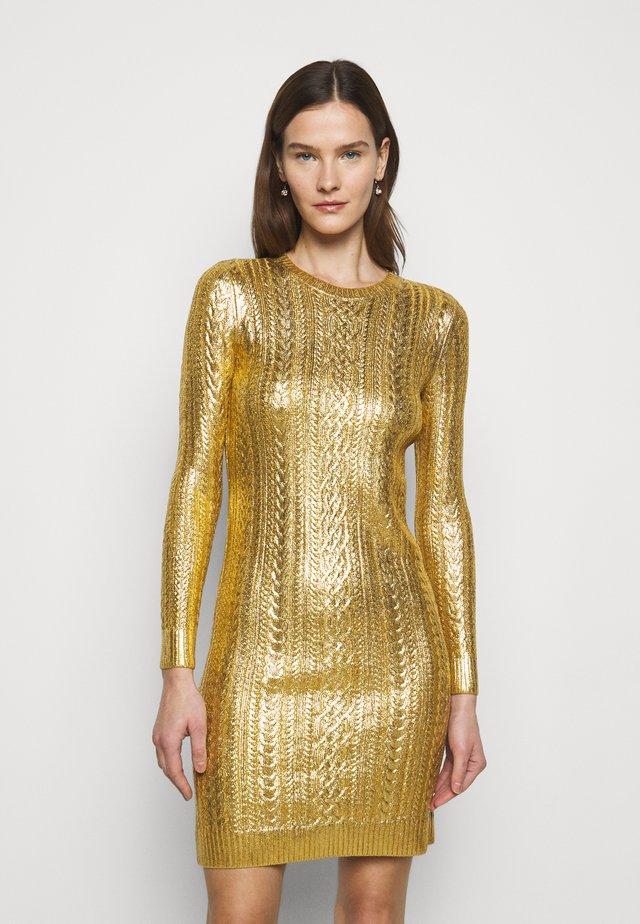 BRIGHT DRESS - Etui-jurk - shiny gold