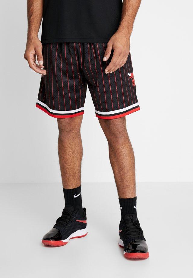 NBA SWINGMAN SHORTS CHICAGO BULLS - Korte sportsbukser - black pinstripe
