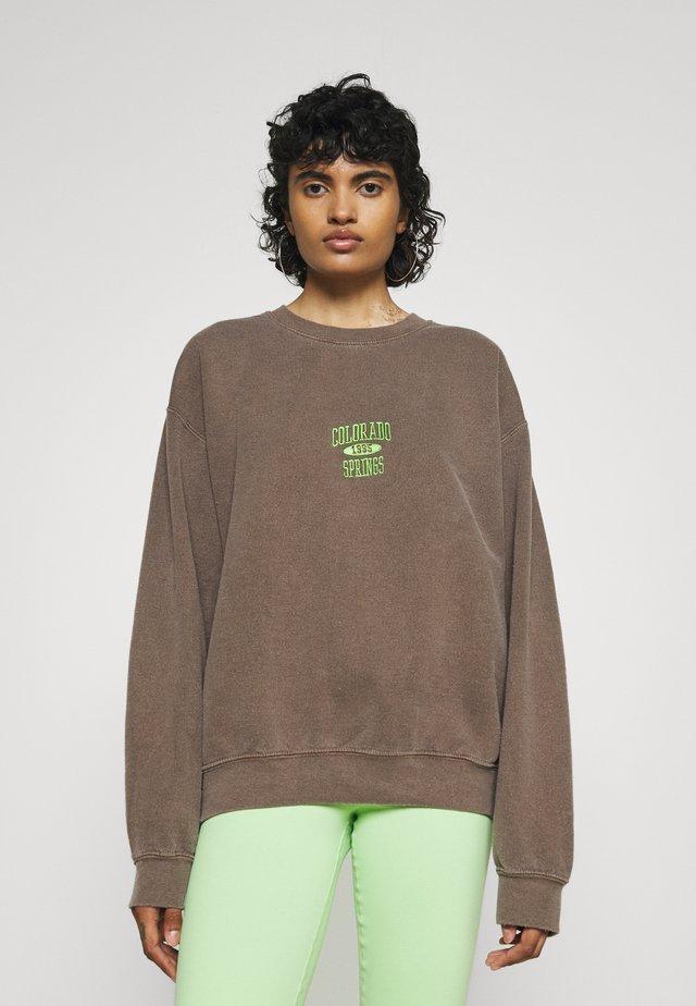 COLORADO SPRINGS CREWNECK - Sweatshirt - brown