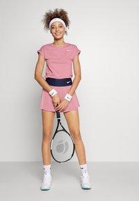Nike Performance - Jednoduché triko - elemental pink/white - 1