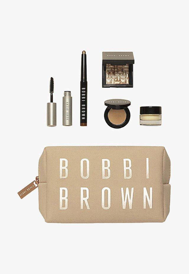 RADIANT GLOW SET - Makeup set - -