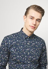 Lindbergh - FLORAL - Shirt - dark blue - 3