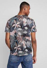 Burton Menswear London - TROP FLORA - Print T-shirt - navy - 2
