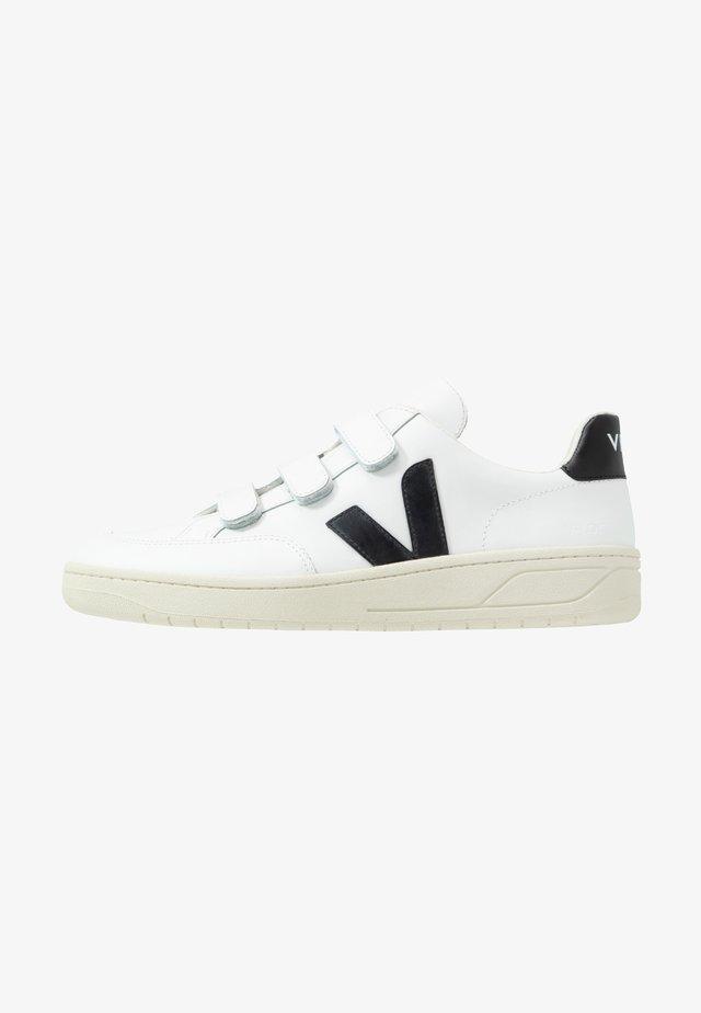 V-LOCK - Sneakers basse - extra-white/black