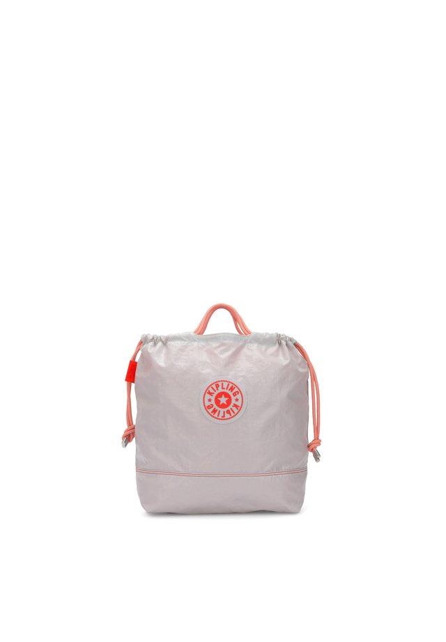 KONAWA - Tote bag - vivid white laq
