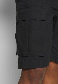 Nike SB - CARGO UNISEX - Shortsit - black - 4