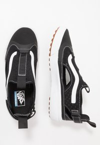 Vans - ULTRARANGE GLIDE - Trainers - black/true white - 1