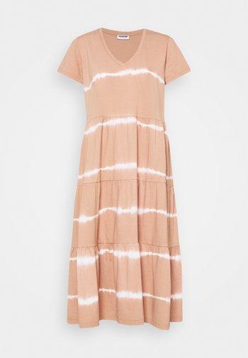NMBUSTER TIE DYE DRESS - Jersey dress - praline