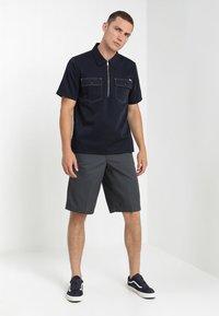Dickies - MULTI POCKET WORK  - Shorts - charcoal - 1