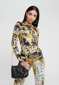 Versace Jeans Couture - COUCH SHOULDERBAG - Kabelka - nero - 1
