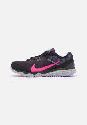 JUNIPER TRAIL - Zapatillas de trail running - black/hyper pink/cave purple/lilac/light smoke grey