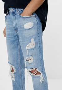 Bershka - VINTAGE  IM STRAIGHT-FIT MIT RISSEN - Džíny Straight Fit - blue denim - 2