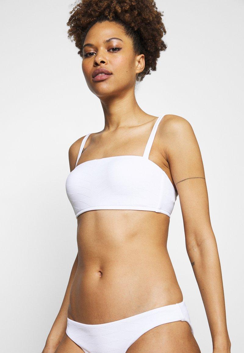 Seafolly - SEASIDE SOIREE BANDEAU  - Bikini top - white