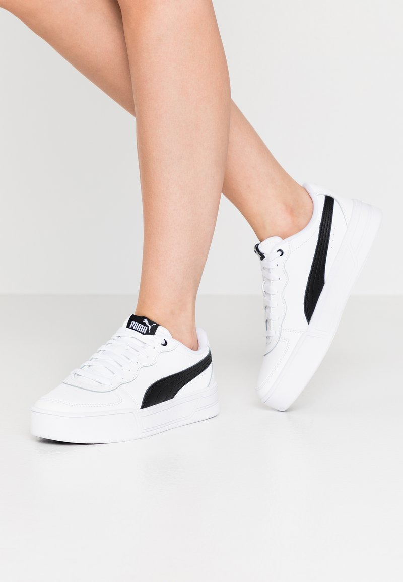 Puma - SKYE - Baskets basses - white/black