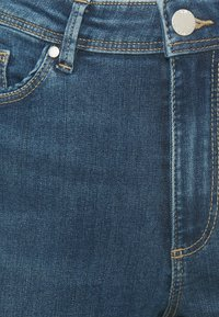 ONLY - ONLWAUW LIFE  - Flared Jeans - medium blue - 2