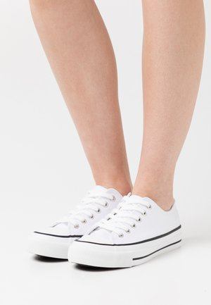 VEGAN BILLIE RETRO RISE - Zapatillas - white