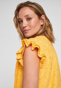 s.Oliver - ANGLAISE - Blouse - yellow - 3