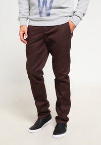 Dickies - 872 SLIM FIT WORK PANT - Chinot - chocolate brown - 0