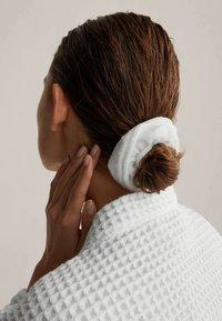 OYSHO - Headscarf - white - 2