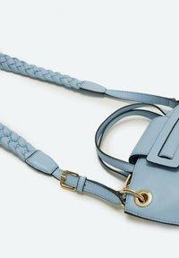 Uterqüe - MIT GURT - Across body bag - blue - 4