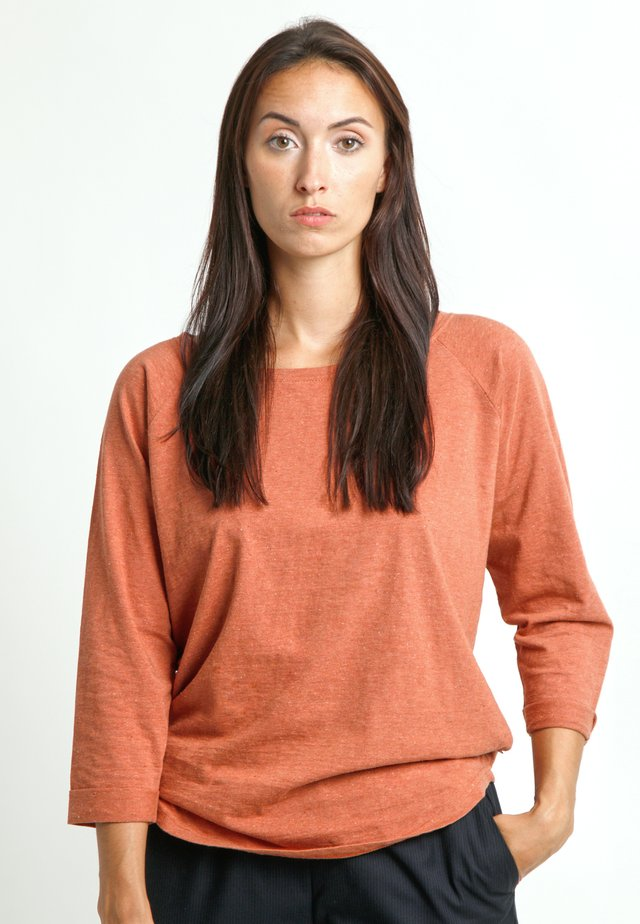 Long sleeved top - red melange