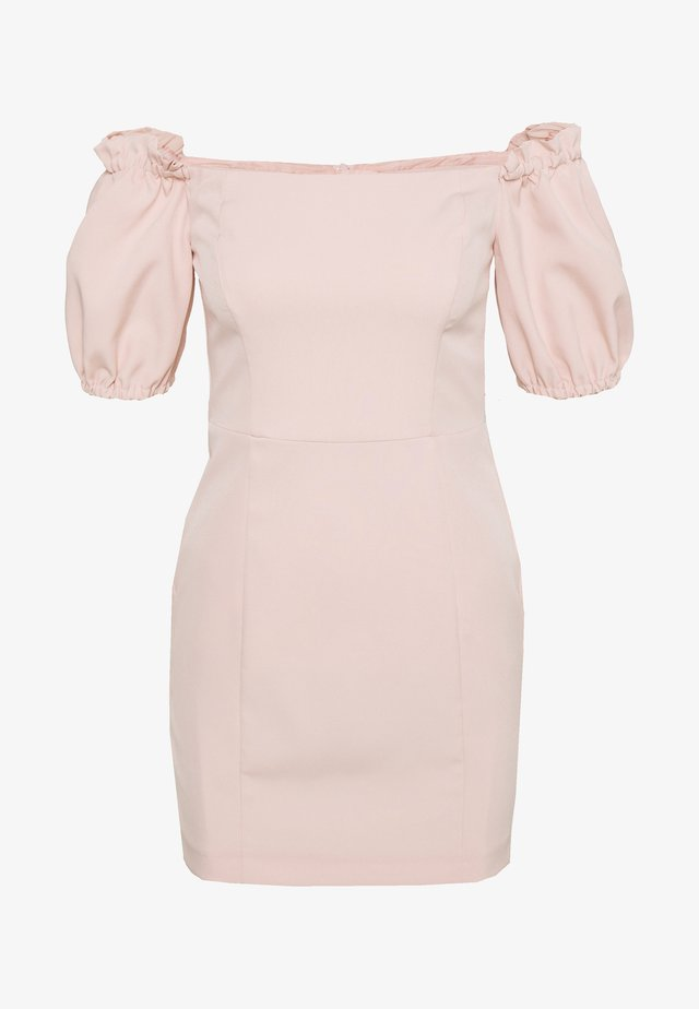 BARDOT STRUCTURED DRESS - Denní šaty - blush