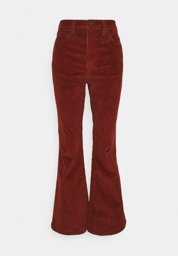 70S HIGH FLARE - Široké džíny - red