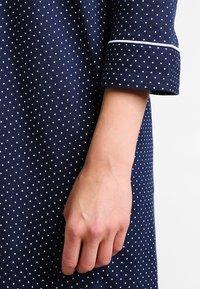 Lauren Ralph Lauren - HERITAGE 3/4 SLEEVE CLASSIC NOTCH COLLAR SLEEPSHIRT - Nightie - dot navy/white - 5