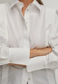 Massimo Dutti - POPELIN - Button-down blouse - white - 6