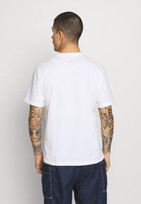 Levi's® - Camiseta estampada - neutrals - 2