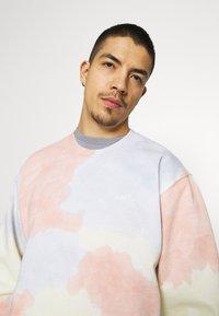Obey Clothing - SUSTAINABLE TIE DYE CREW - Sweatshirt - multi coloured - 3